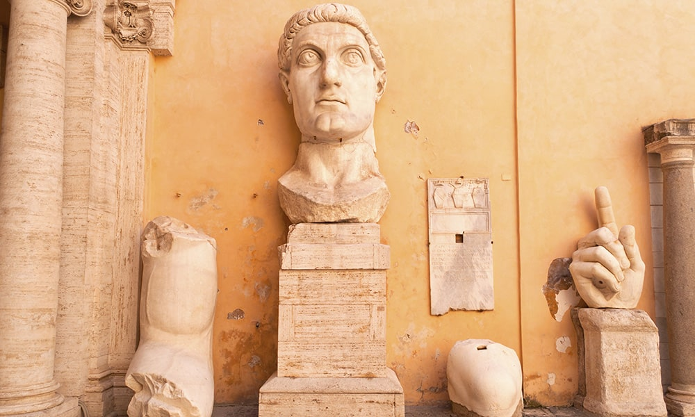 Kapitolinischen Museen - Kaiser Konstantin Statuen