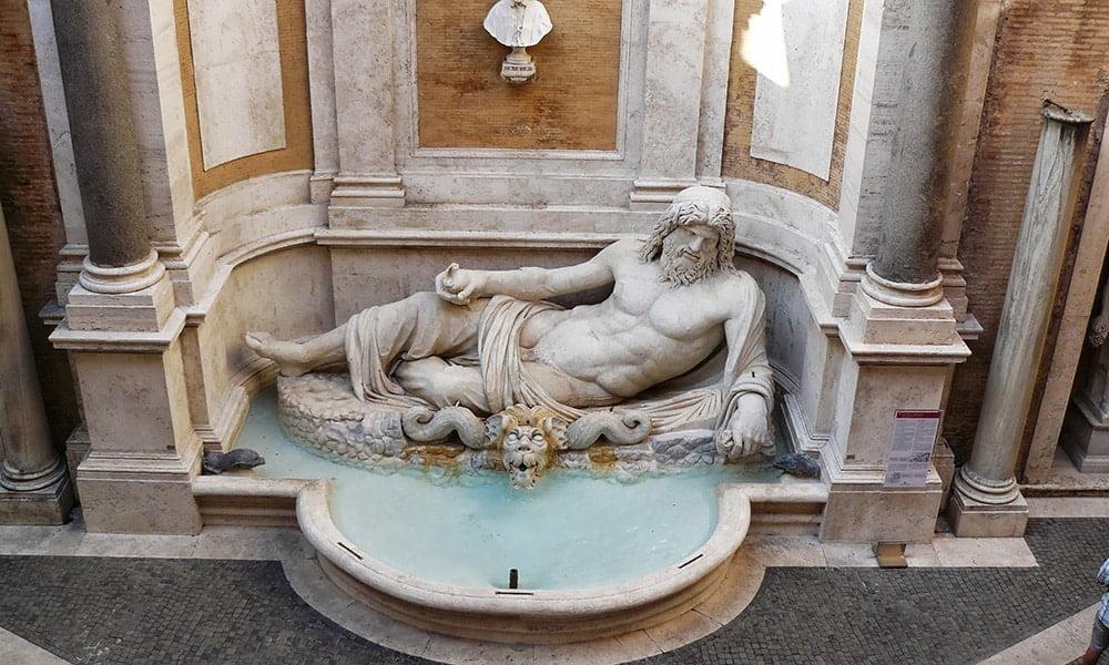 Kapitolinischen Museen - Marforiobrunnen