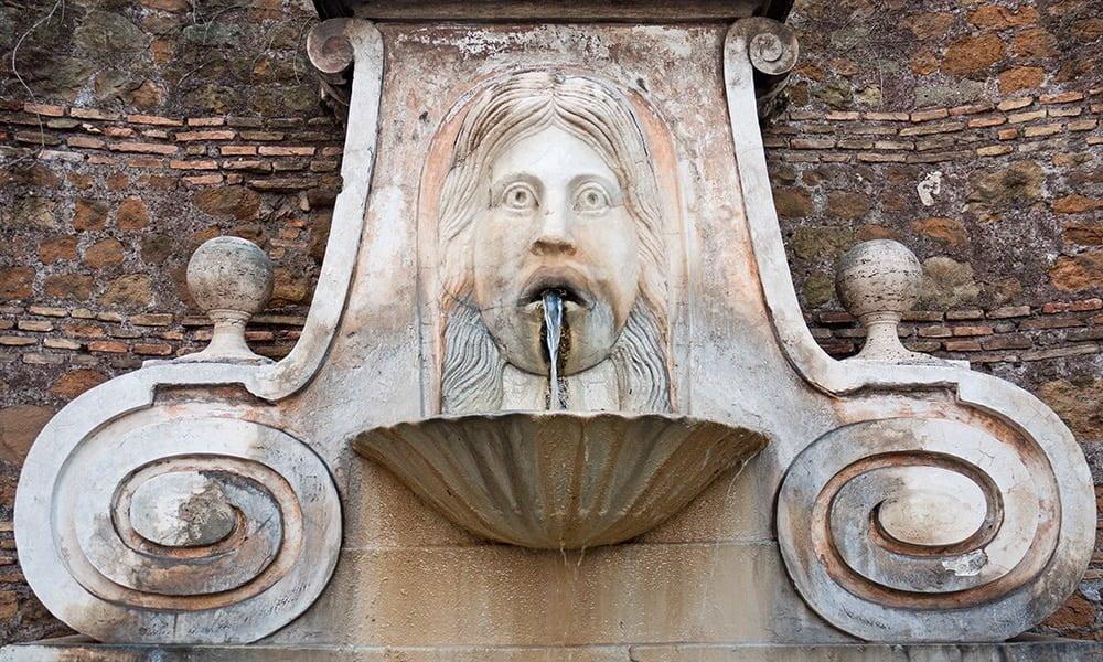 Big Mask fountain - Via Giulia
