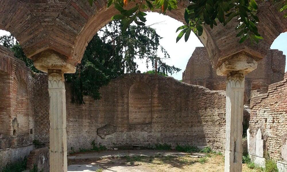 My Rome - San Salvatore in Lauro - Roman courtyard