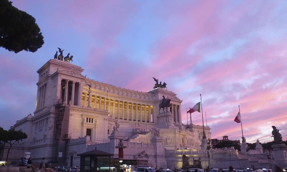 Rom bei Abenddämmerung - Vittoriano