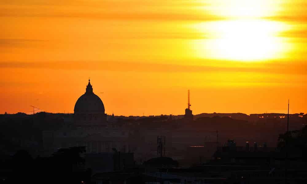 Rom bei Abenddämmerung - Petersdom