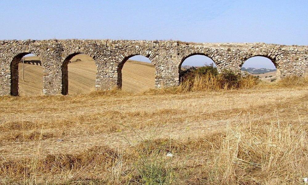 Tarquinia - Roman aqueduct
